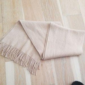 Cream cashmere scarf.